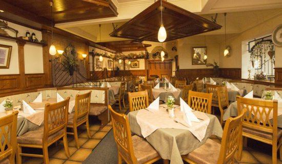 Restaurant, Pizzeria, Kinderwirt & Take-away Jagdhof, Restaurant in Flachau